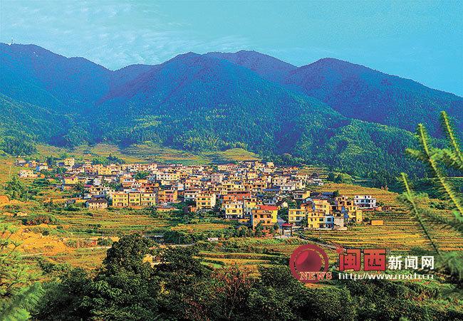 龙岩武平张畲村美丽生态的藤椅之村